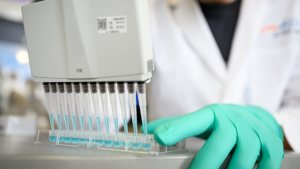 Alman CureVac, koronavirüs aşısında son aşamaya geçti
