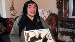 Aşık Veysel'in kızı Zehra Başer vefat etti
