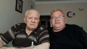Baba ve oğlu 20 dakika arayla öldü