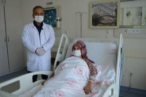 Baş ağrısı şikayetiyle hastaneye koştu: Beyninde 4.5 santim tümör çıktı