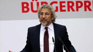 Can Dündar'dan Fahrettin Altun'a: Size 'Basın Danışmanı' Diyenler Bize 'Gazeteci' Dese Hakaret Sayarız