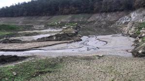 Elmalı Barajında korkutan görüntü! Suların 4'te 3'ü çekildi