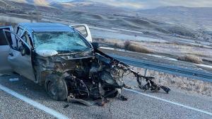 Erzincan'da iki araç çarpıştı: 2 ölü, 2 yaralı