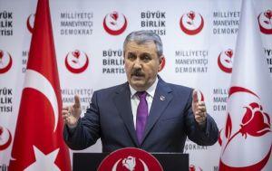 Fransa'daki Türk vatandaşı için ambulans uçak gönderilmesini BBP lideri Destici istemiş