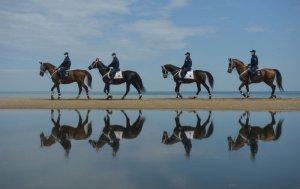 İstanbul'da sahillerde atlı birliklerle denetim