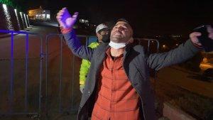 Karabük'te ceza yiyen alkollü sürücü, türkü söyledi