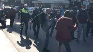 Kimlik soran polise bıçak çeken göçmen gözaltına alındı