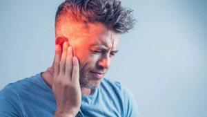 Kulak çınlamasının nedenleri ve rahatlamak için ipuçları