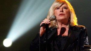 Marianne Faithfull korona virüsü nedeniyle hastaneye yatırıldı