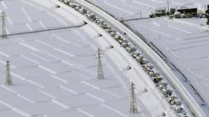 Son dakika haberler: Japonya'da kar birdenbire bastırdı, binden fazla şoför trafikte 40 saat mahsur kaldı