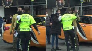 Taksim'de Maske Takması İçin Uyarılan Turist, Araçtan İnerek Polisin Üzerine Yürüdü