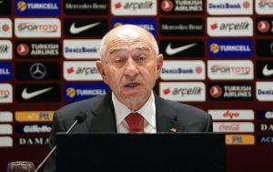 TFF Başkanı Özdemir: Sorarım size, 18 kulübü birden nasıl hedef alabiliriz?