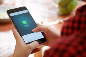 WhatsApp'ta her sohbet için ayrı ayrı duvar kağıdı nasıl belirlenir?