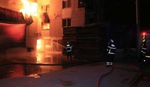 Adana'da mobilya atölyesinde çıkan yangın kontrol altına alındı