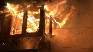 Afyonkarahisar'da 10 işyerini küle çeviren yangın!