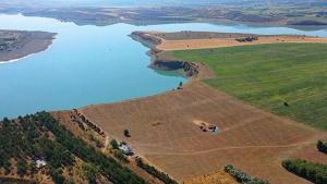 Barajdaki adayı 8 milyon TL'ye satıyor
