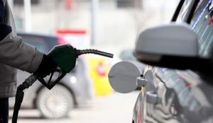 Benzine 20 kuruş zam bekleniyor