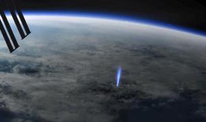 Bilim insanları 'mavi jet'lerin canlandırma imajını yayınladı