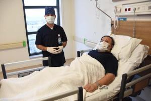 Bir Sivilce ile Hayatı Karardı, 5 Saatlik Operasyonla Ölümden Döndü!