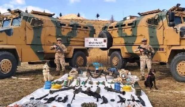 Bitlis'te, PKK'lı teröristlerin mühimmat dolu 6 sığınağı tespit edildi