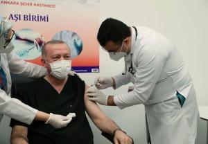 Cumhurbaşkanı Erdoğan ve Bakan Koca'nın aşı yaptırması koronavirüs aşısına güveni artırdı