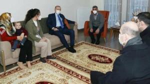 Cumhurbaşkanı'nın ziyaret ettiği depremzede aile: Epilepsi hastası kızımıza eliyle meyve soyup yedirdi
