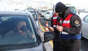 Erciyes Kayak Merkezi yolunda Jandarma denetimi