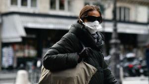 Fransa'da koronavirüs kaynaklı ölüm ve vakalar artıyor
