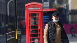 İngiltere'de koronavirüs nedeniyle son 24 saatte 1820 kişi öldü