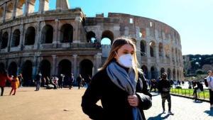 İtalya'da son 24 saatte 348 kişi koronavirüsten öldü