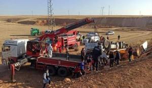 Kırşehir'de devrilen TIR'ın sürücüsü öldü