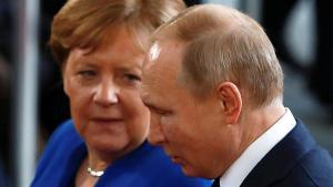 Merkel ve Putin'den kritik görüşme!