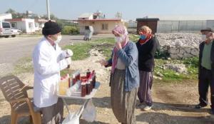 Mersin'de şifa dağıttığını öne süren çiftçinin evinin önünde kuyruk oluştu!