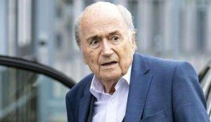 Sepp Blatter hastaneye kaldırıldı