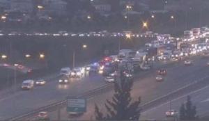 TEM'de korkunç kaza: 12 araç birbirine girdi! Trafik felç…