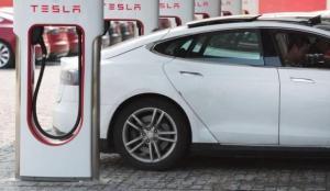Tesla'dan ön sipariş indirimi