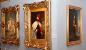 """4 asırdan 553 resimle """"Dolmabahçe'de Osmanlı geçidi"""""""