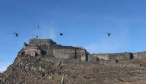 Atak helikopterlerinden Kars Kalesi'nde gösteri