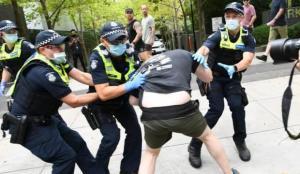 Avustralya'da aşı karşıtı protestolar düzenlendi