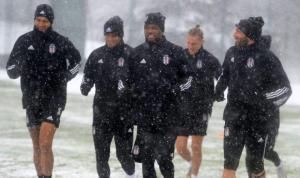 Beşiktaş kar altında çalıştı