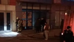 Bursa'da marketin deposunda çıkan yangın söndürüldü