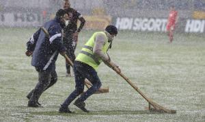 Gençlerbirliği – Beşiktaş maçında çizgiler beyaza büründü