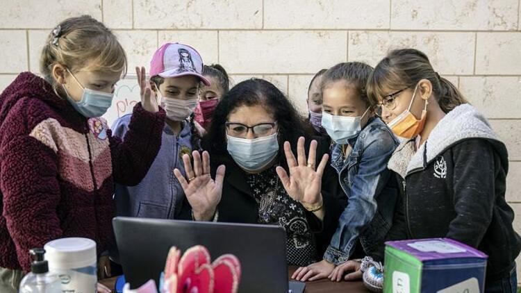 İsrail'de koronavirüs olayları düştü, yüz yüze eğitim başladı