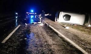 Kütahya Simav'da yaban domuzuna çarpan otomobil devrildi: 3 ölü