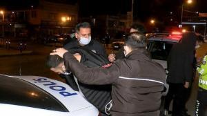 Otomobilini polisin üzerine sürüp kaçtı kovalamaca sonrası yakalandı