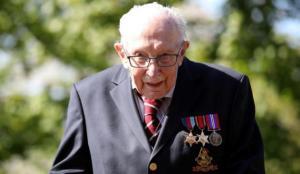 Ulusal kahraman Yüzbaşı Tom Moore hayatını kaybetti!