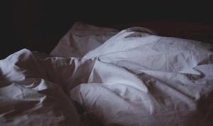 Uyku uzmanları anlattı: Gece uyananlar için tekrar uyumanın 8 yolu