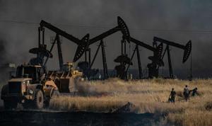 ABD'li eski diplomattan Suriye itirafı: Petrolü yağmalayıp satıyorlar