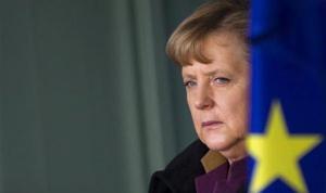 Almanya'da Merkel'in partisine anket şoku