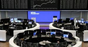Avrupa borsaları, salgında üçüncü dalga endişesiyle Almanya dışında düşüşle kapandı